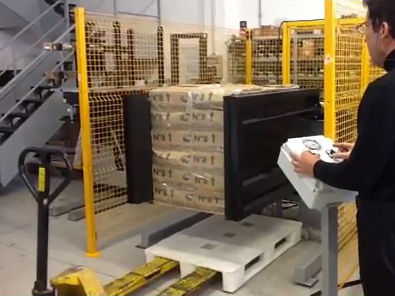 Pallebytter stationær med side klemme og løfte funktion. Hurtigt og enkelt måde at udskifte en palle