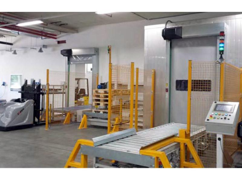 Pallebytter In-line, med dedusting sluse og folieomvikling på alle 4 sider af produktet